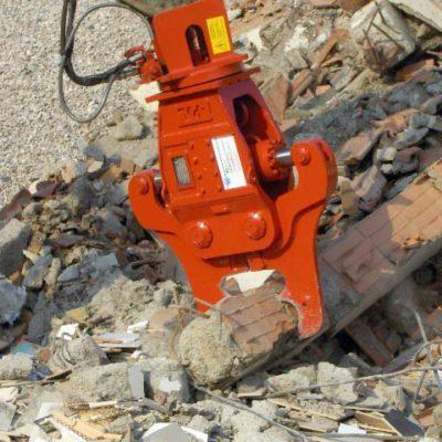 Pinza demolitrice al lavoro - Verdelli International